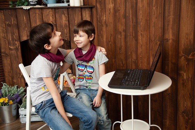 zagrożenia dla dzieci w internecie